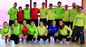 Los dos equipos de Bádminton Huesca el sábado en Alfajarín. | S.E.